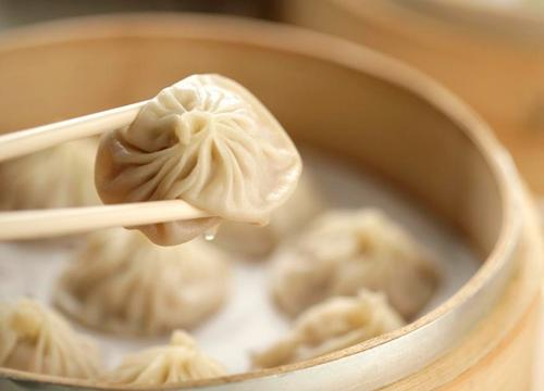 在小县城开罐财包灌汤包子店如何?