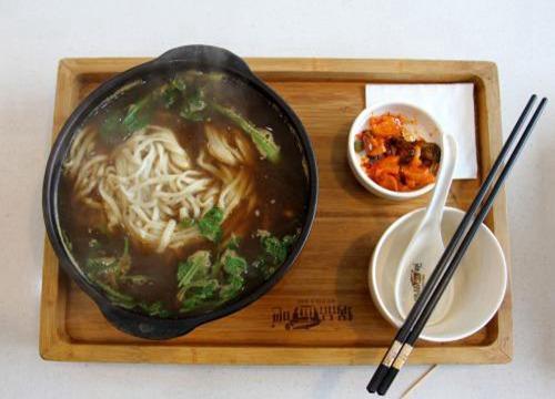 小米手机女孩中式快餐