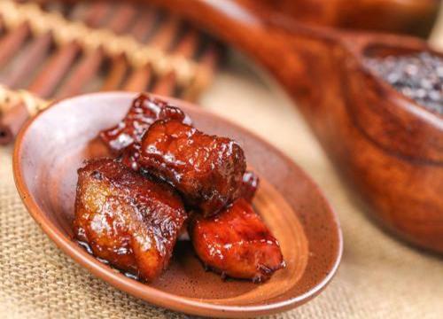 目前卤味店买卖好做吗 投資加入温州骨里香熟食品市场前景宽广